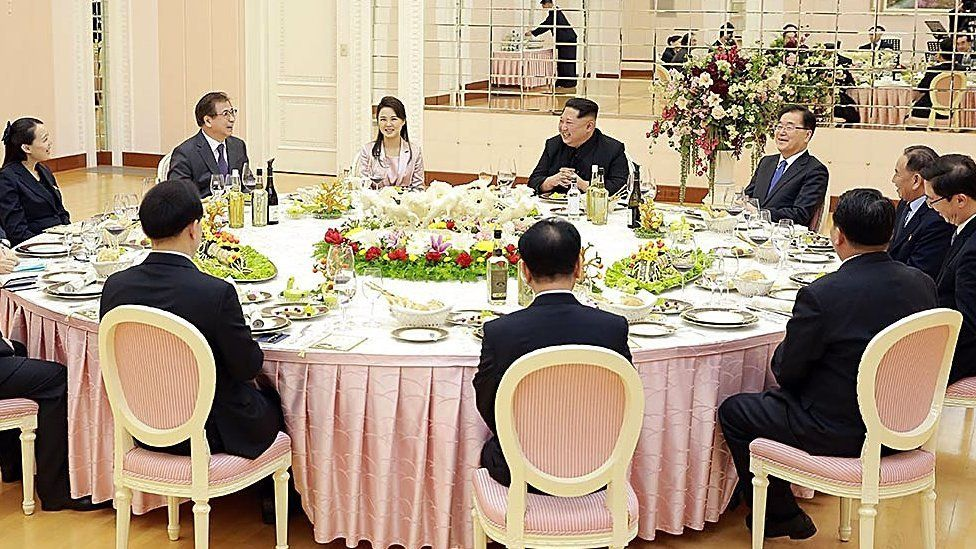 North Korean leader Kim Jong-un hosted a dinner for the South delegation