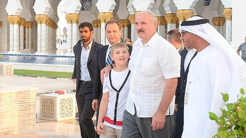 Kolya and Alexander Lukashenko at the Sheikh Zayed Grand Mosque in Abu Dhabi in October 2014