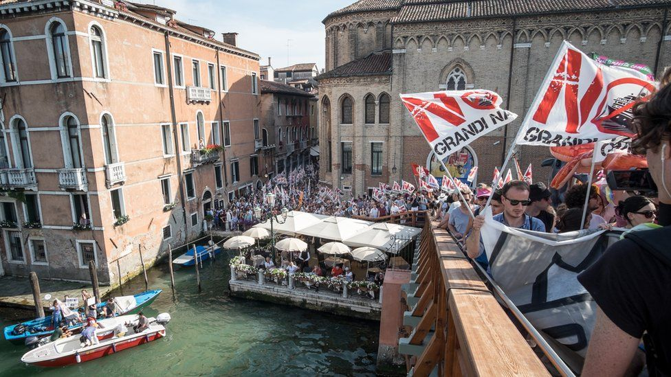 Venice bans large cruise ships from historic centre
