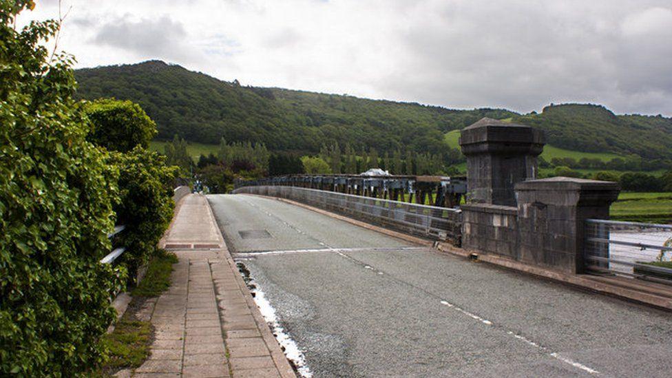 Tal-y-Cafn bridge