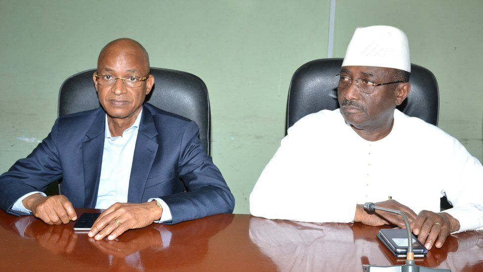 Cellou Dalein Diallo (L) leader of the Union of Democratic Forces of Guinea (UFDG) and Sidya Toure (R) leader of the Union of Republican Forces (UFR )