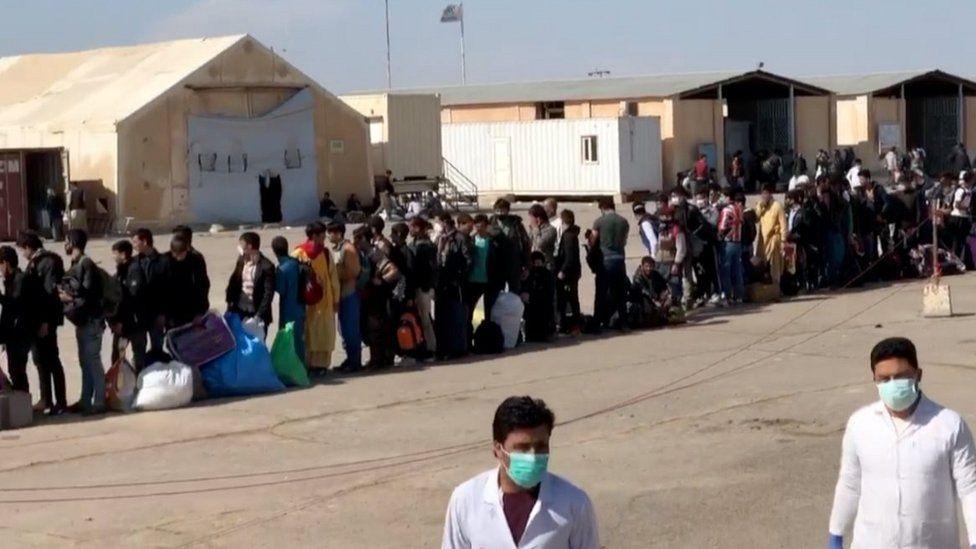 Afghan border camp, western Herat, crowded with returnees