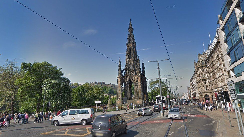 Cars could face complete ban from Edinburgh's Princes Street