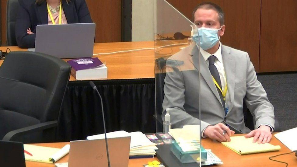 Derek Chauvin in court on 1 April 2021