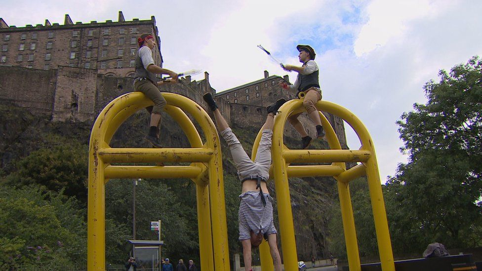 Security barriers in Edinburgh have quickly become another space for performers