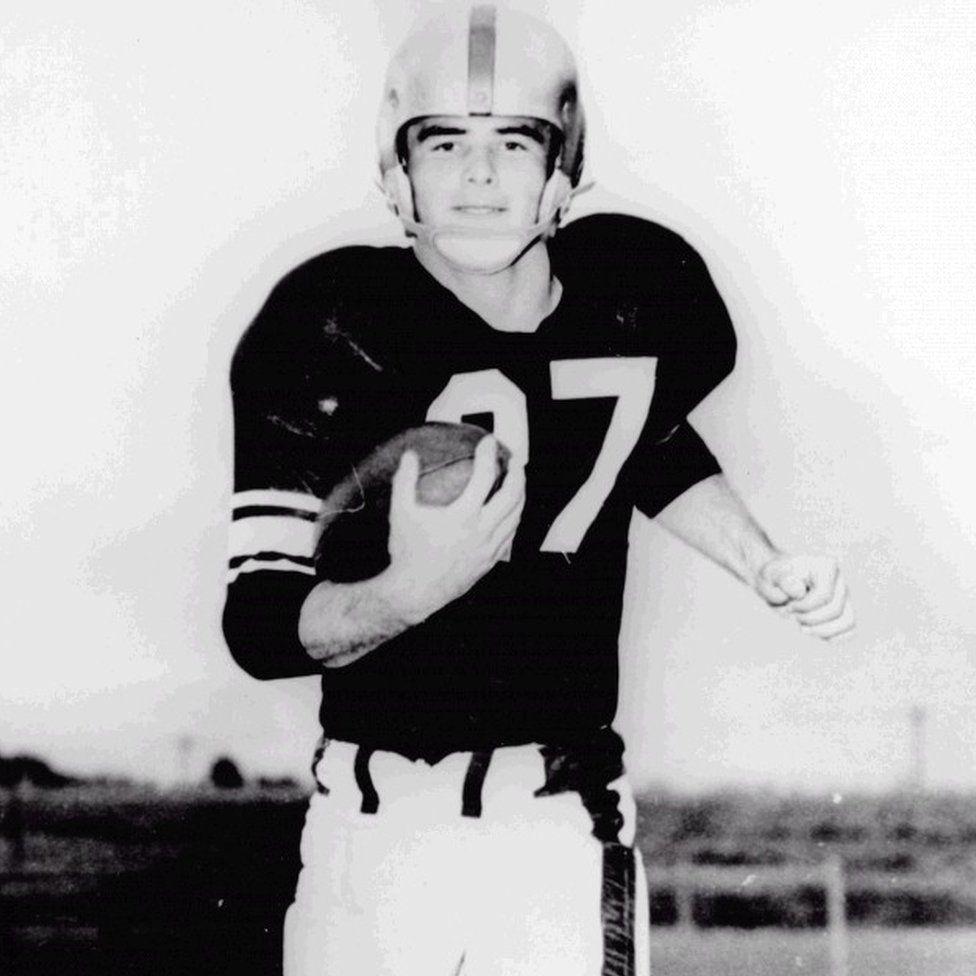 Burt Reynolds playing college football
