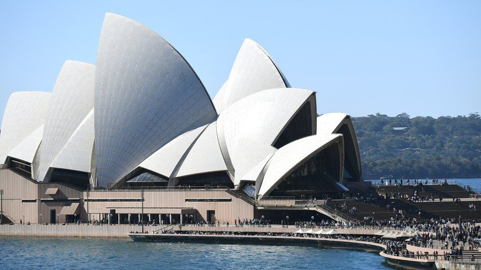 Sydney Opera House Horse Race Advert Ignites Furore Bbc News