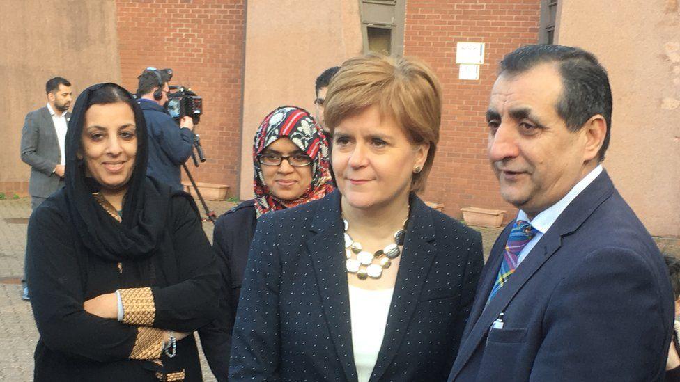 Nicola Sturgeon at mosque