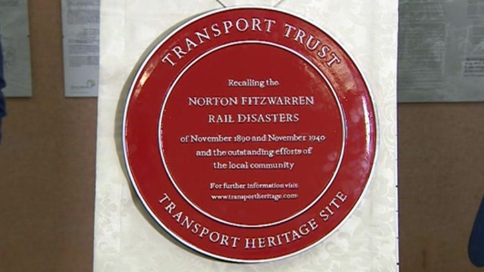 Plaque marking two rail crashes