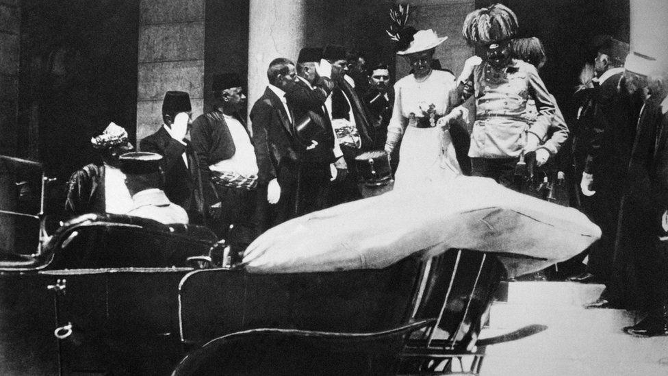 Austrian archduke Franz Ferdinand and his wife Sophia in Sarajevo in 1914