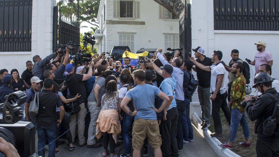 Leopoldo Lopez atthe Spanish embassy