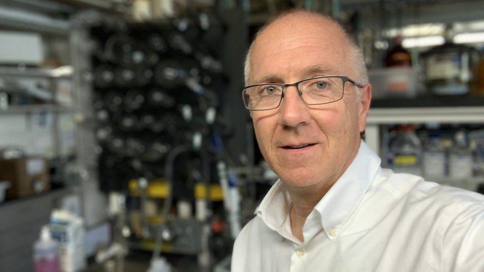 Stanford University professor Eric Kool