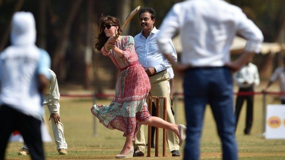 Duchess of Cambridge playing cricket at Oval Maidan