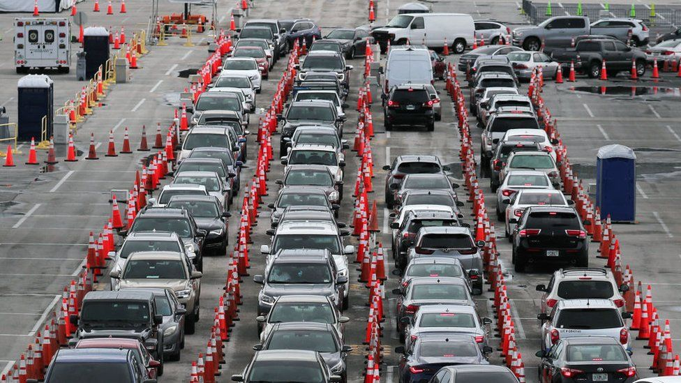 Long line of cars at a testing site in Miami