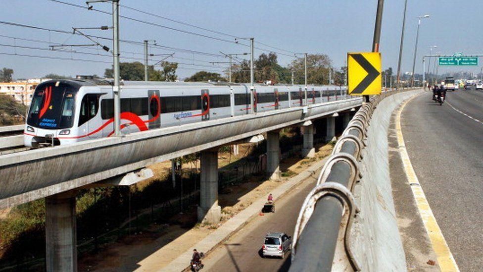 Delhi Metro airport line train