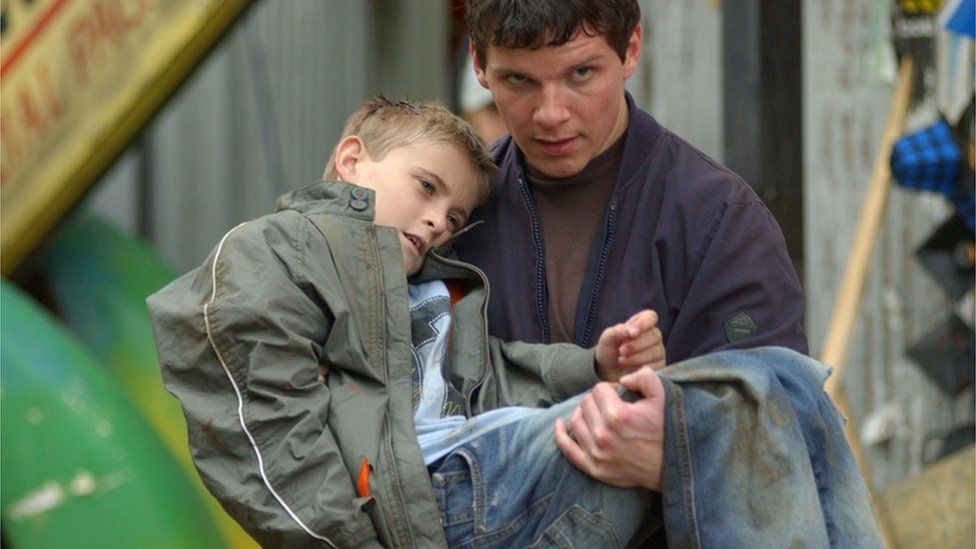 Nigel Harman as Dennis Watts and Joseph Shade as Peter Beale, 2004