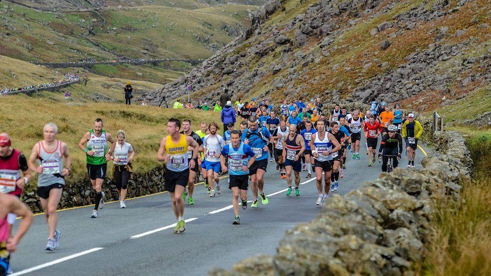 Runners in the Snowdonia Marathon