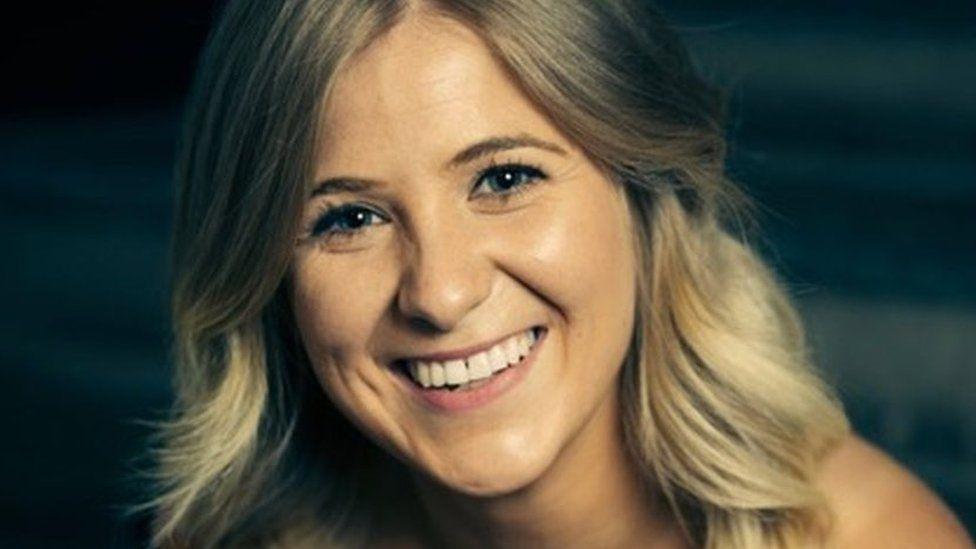 Rhianna Loren