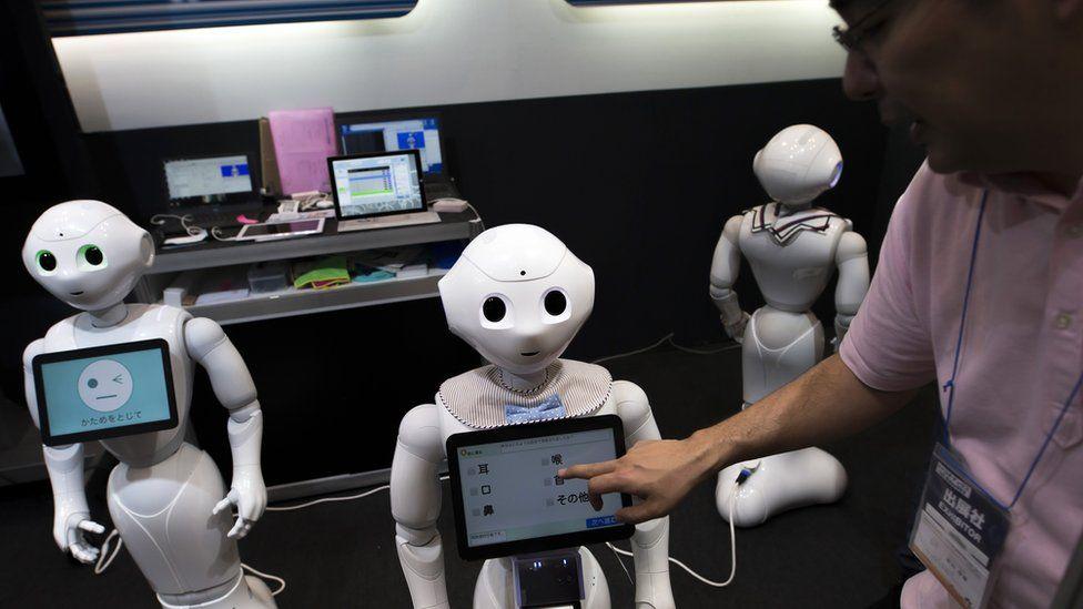 Ухаживать за больными и стариками помогут роботы-гуманоиды