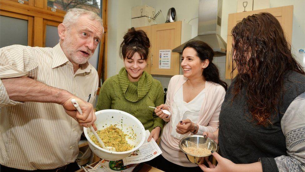 Jeremy Corbyn visits a Centrepoint hostel in London