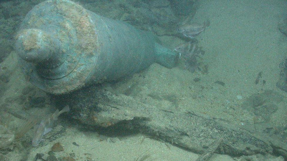 cannon from wreck