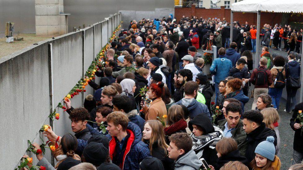 Berlin Wall anniversary: Merkel warns democracy is not 'self-evident'