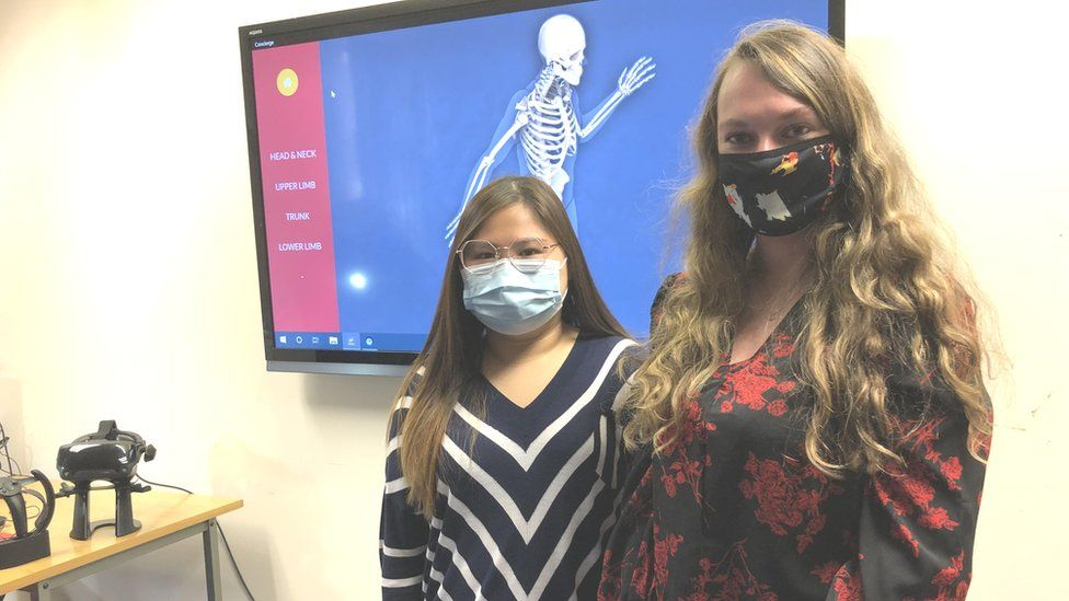 3rd year radiography students Zoe Gonzales & Connie McMahon