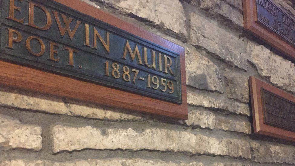Plaque to Edwin Muir