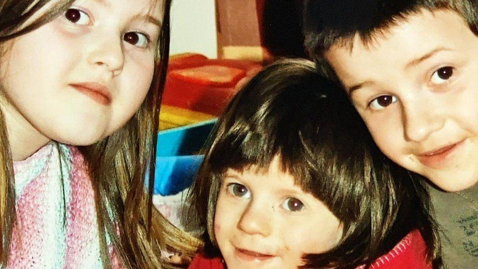 Caitlin, Tegan and Lucas Harvey
