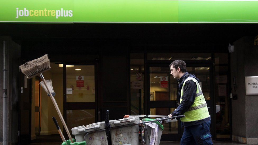 Unemployment rises by 14,000 in Scotland