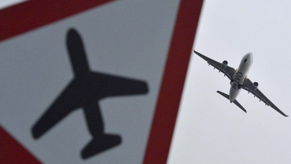 Carry on flying, says government green plan thumbnail