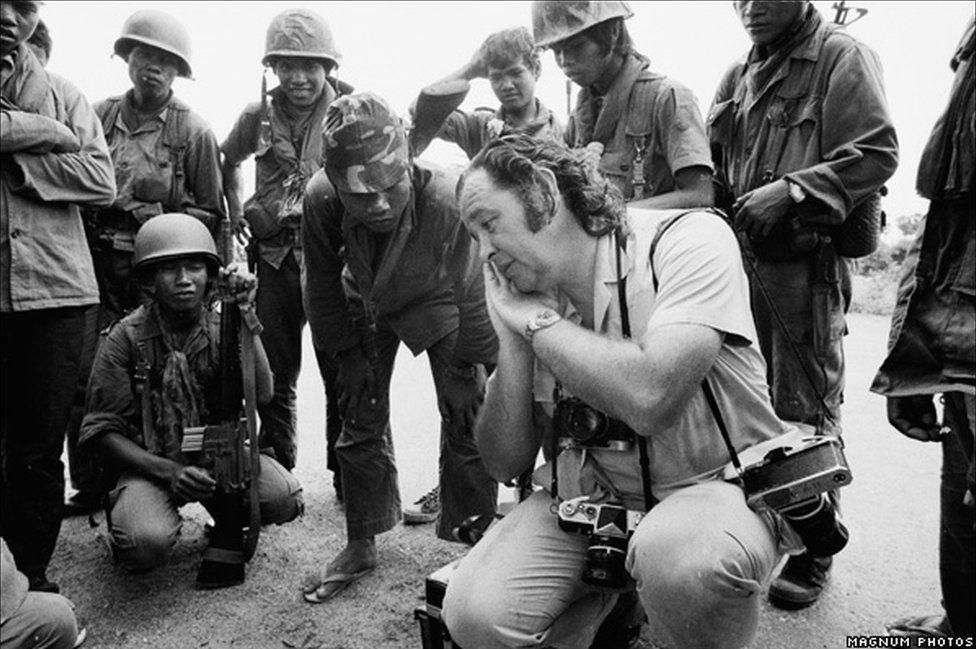 Phiip Jones Griffiths yn Vietnam