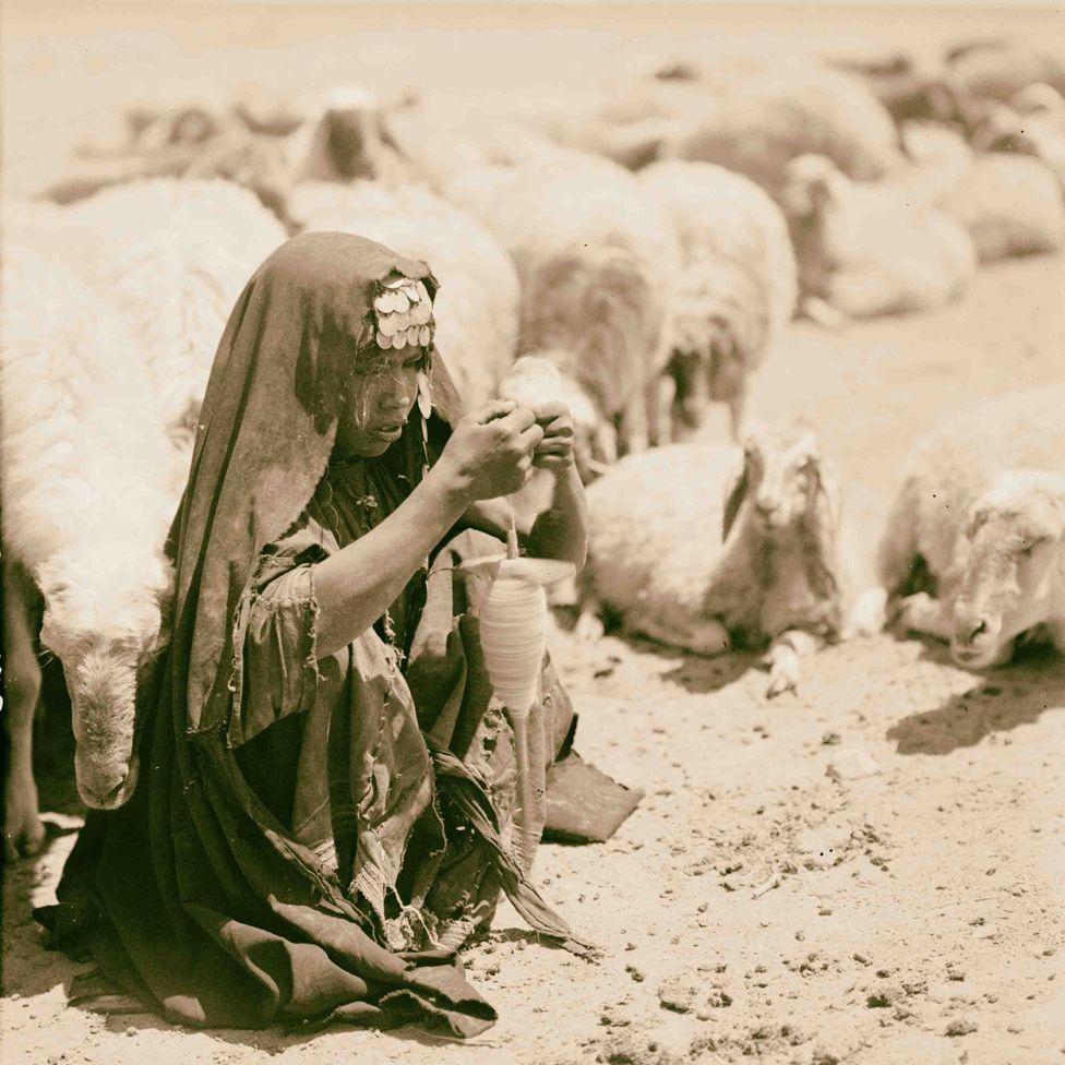 Bedouin shepherdess (1932)