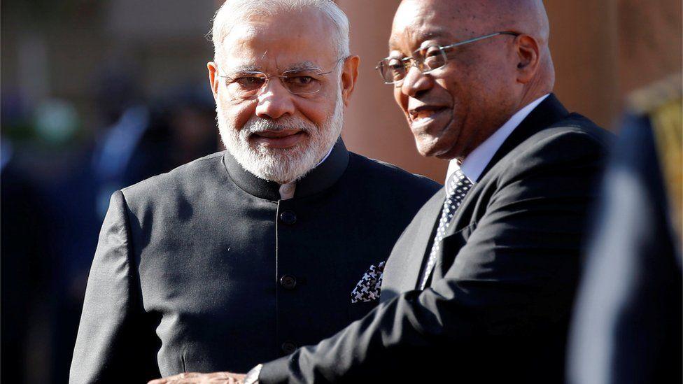 Narendra Modi (L) and Jacob Zuma (R)