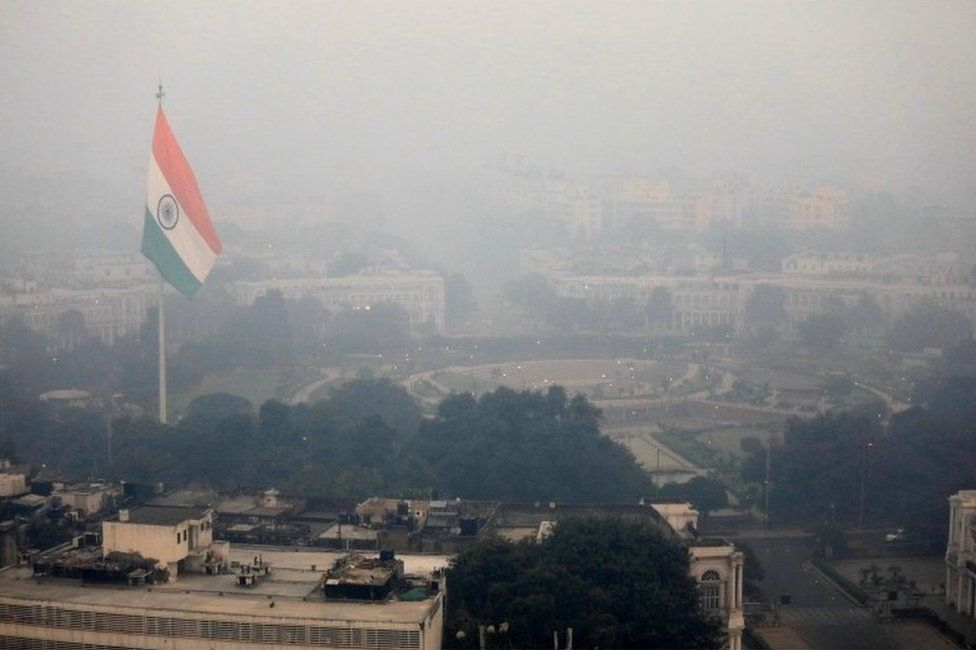 Buildings are seen shrouded in smog in New Delhi, India, November 8, 2018.