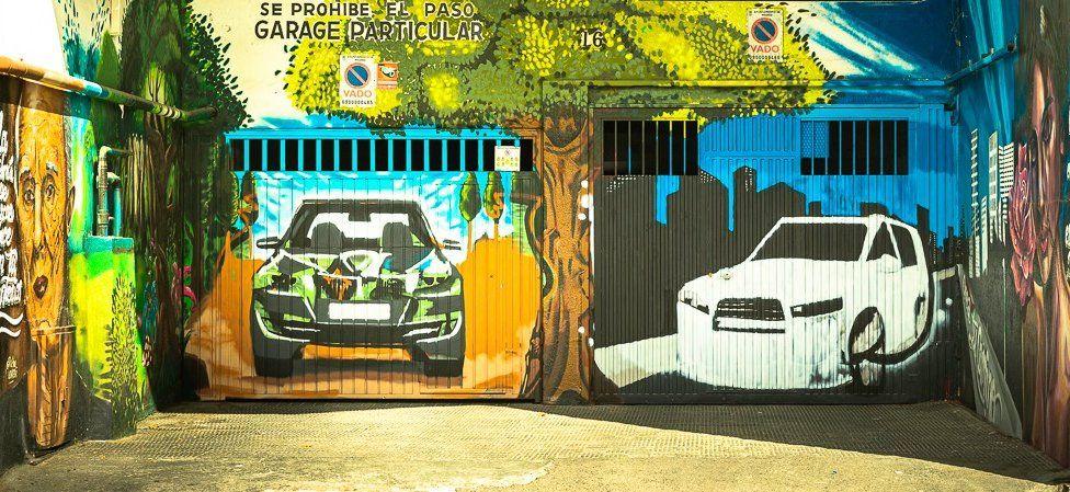 Garage graffiti in Madrid
