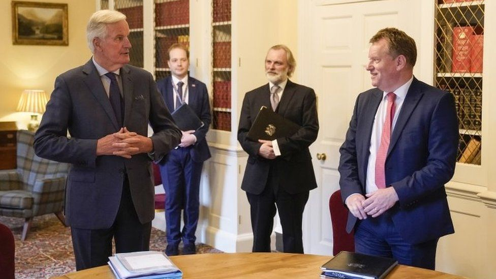 Michel Barnier in Downing Street with David Frost