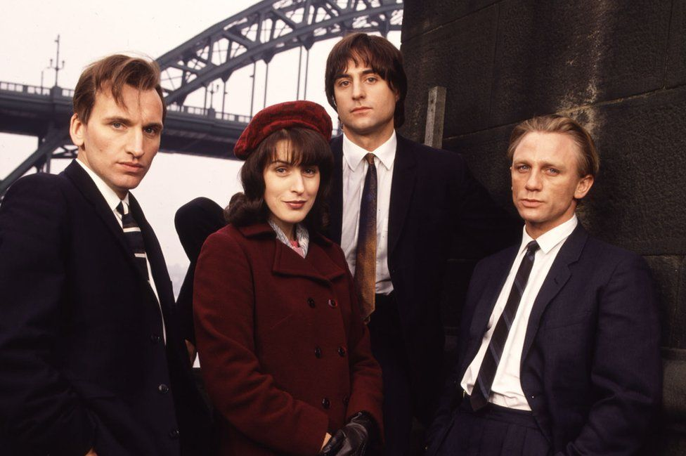 Christopher Eccleston as Nicky, Gina McKee as Mary, Mark Strong as Tosker and Daniel Craig as Geordie.