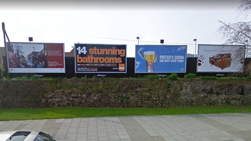 Roman wall with billboards 2009