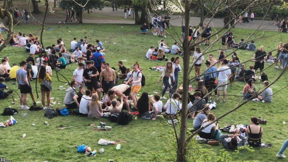 Crowds in Kelvingrove