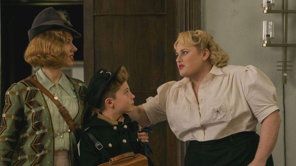 Scarlett Johansson, Roman Griffin Davis and Rebel Wilson