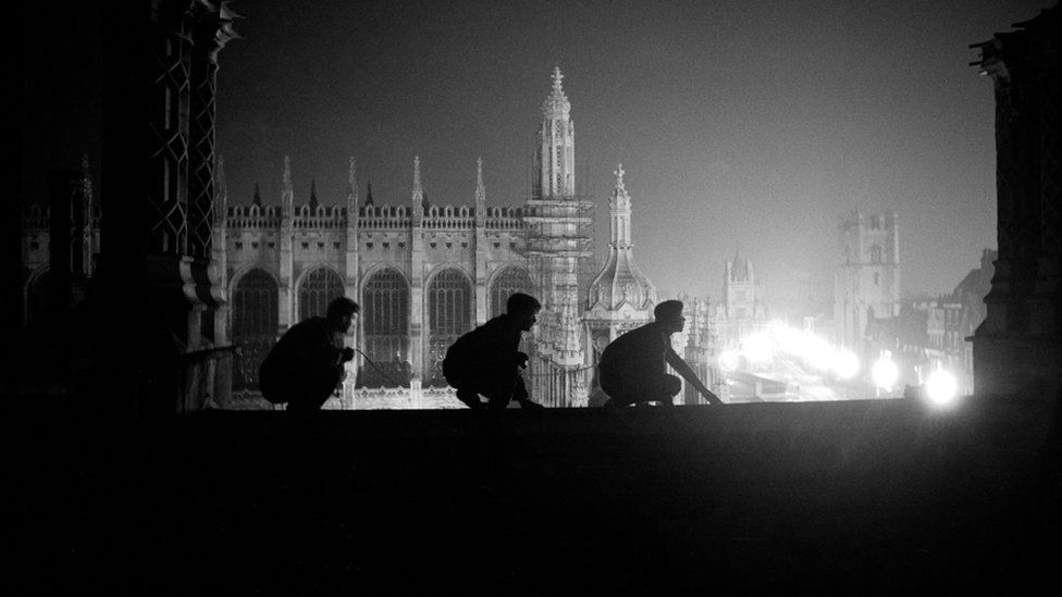 The shadowy climbers scaling Cambridge's college rooftops