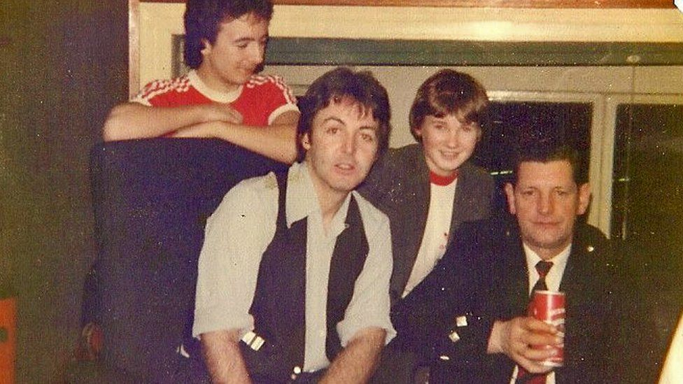 Ian McKerral, Paul McCartney, Josh Lang Brown and Tony Wilson after the recording of Mull of Kintyre in 1977