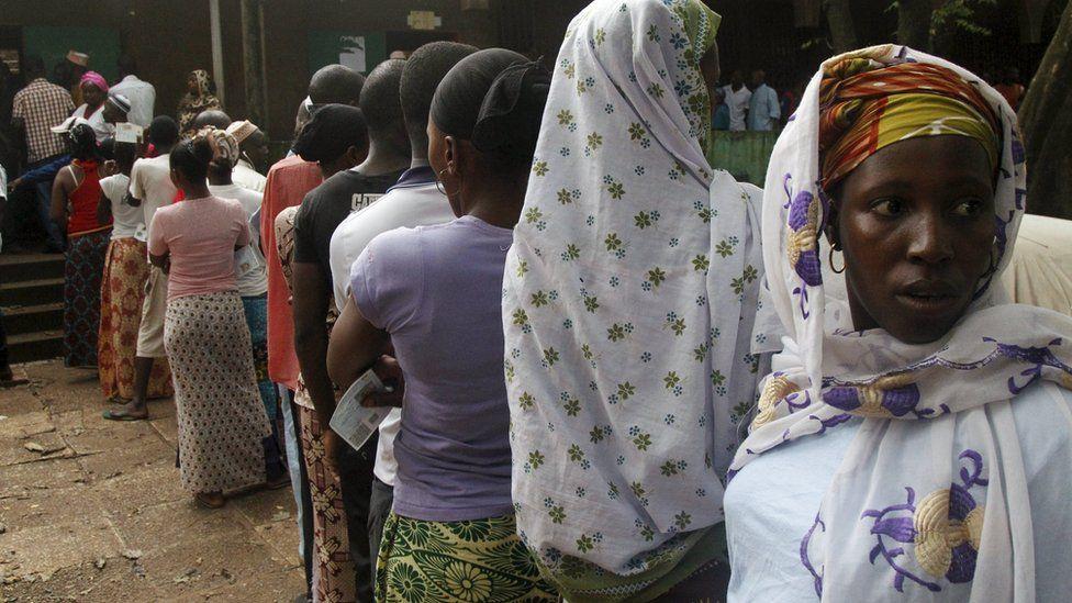 Voters queuing in Conakry, 11 October 2015