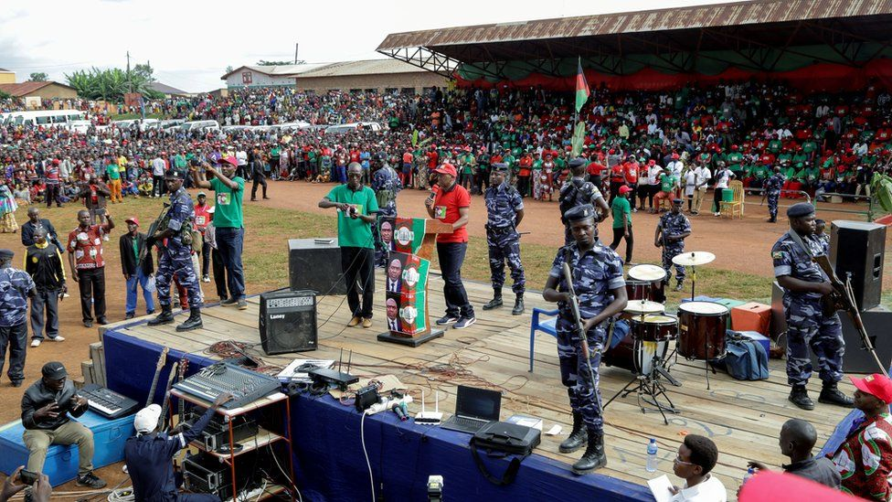 """Burundi""""s opposition National Freedom Council (CNL), presidential candidate Agathon Rwasa, addresses supporters during a campaign rally in Ngozi province, Burundi April 27, 2020"""