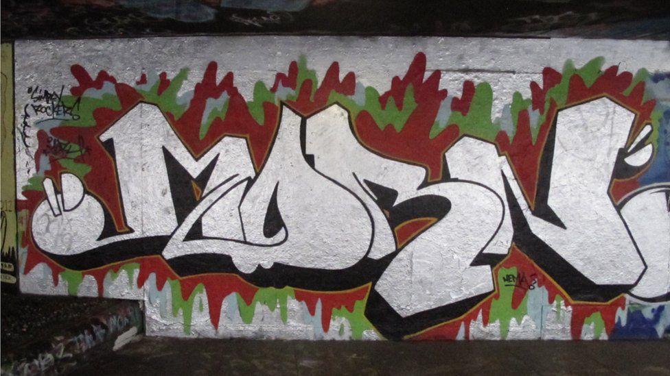 'Morn' graffiti