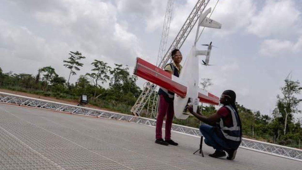 Des drones pour livrer du sang et des médicaments au Ghana