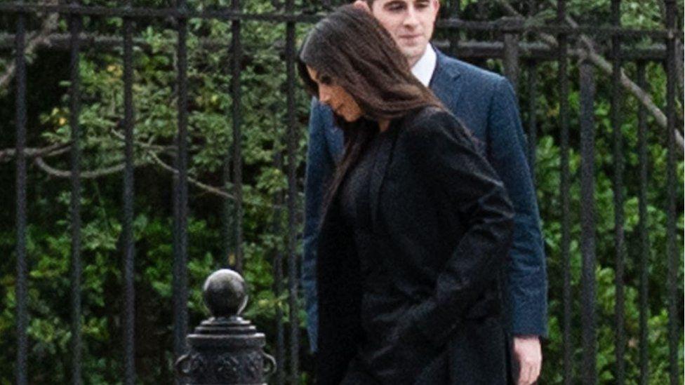 Kardashian arrives at the White House