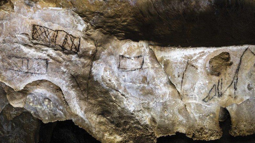 Desenhos pré-históricos 'ignorados' podem revelar o 'mais antigo' código de escrita
