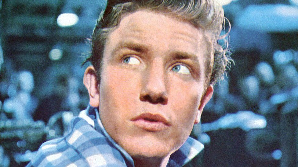 Finney in the film Saturday Night and Sunday Morning